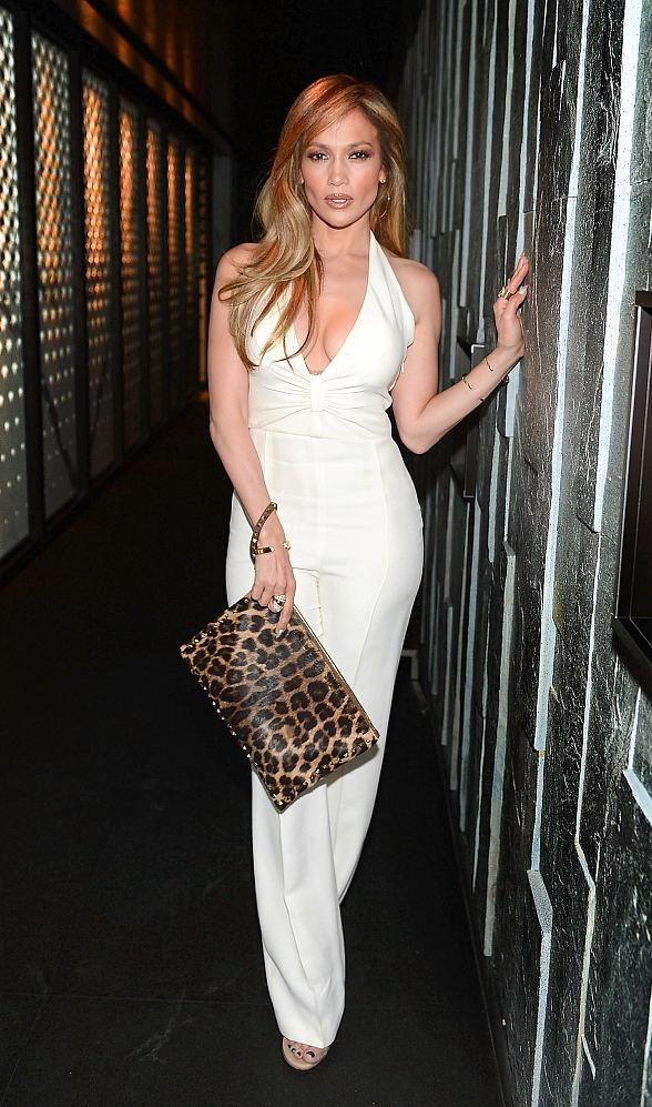 Jennifer Lopez Enjoys a Night Out at Hakkasan Las Vegas Restaurant and Nightclub