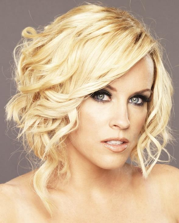 Azure Luxury Pool at The Palazzo Las Vegas Welcomes Media Personality Jenny McCarthy July 11