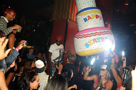 Jermaine Dupri celebrates his birthday at TAO