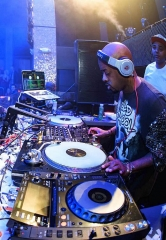 Jermaine Dupri performs at TAO Nightclub in Las Vegas