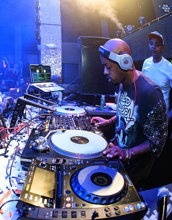 Jermaine Dupri performs at TAO Nightclub
