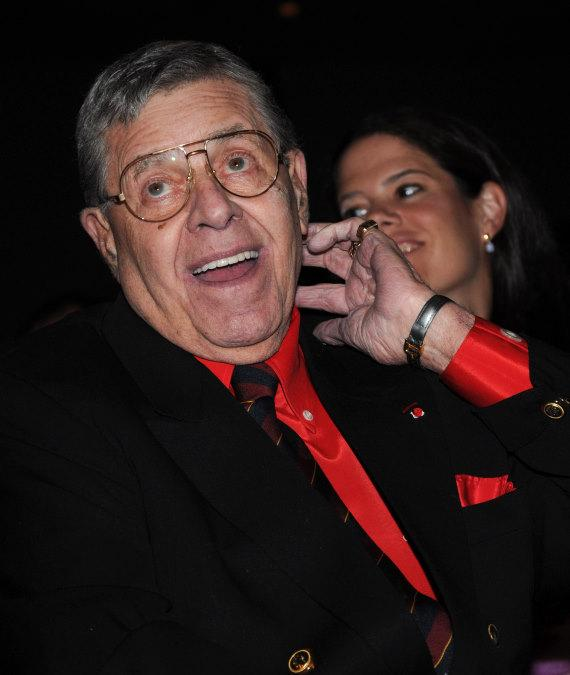 Jerry Lewis receives The Lifetime Achievement Award from Nevada Broadcasters Association