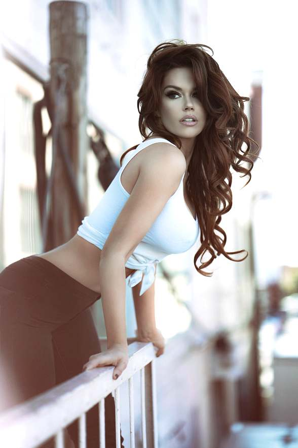 Grab Your Piñatas and Join International Model Jessa Hinton at Tacos & Tequila's 'Sexy de Mayo Tres' Bash May 5