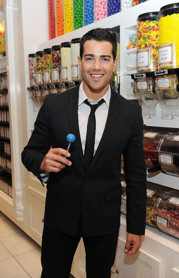 Jesse Metcalfe enjoys a signature Sugar Factory Couture Pop at the flagship Sugar Factory retail store at Paris Las Vegas