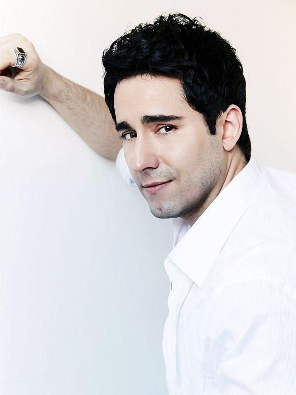 Tony Award-Winner John Lloyd Young Takes the Stage December 8-9 at The Space in Las Vegas