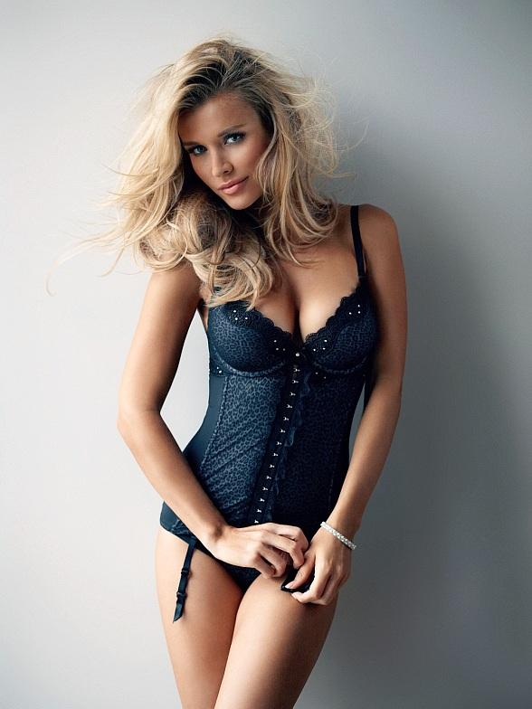 Crazy Horse III Celebrates Four Year Anniversary with Model Joanna Krupa Oct. 18