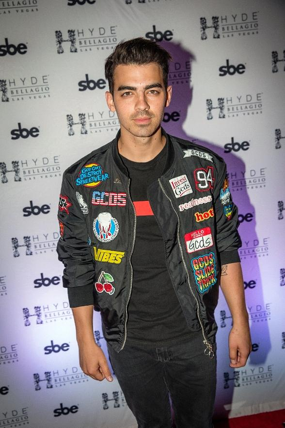 Joe Jonas Kicks Off Memorial Day Weekend at Hyde Bellagio