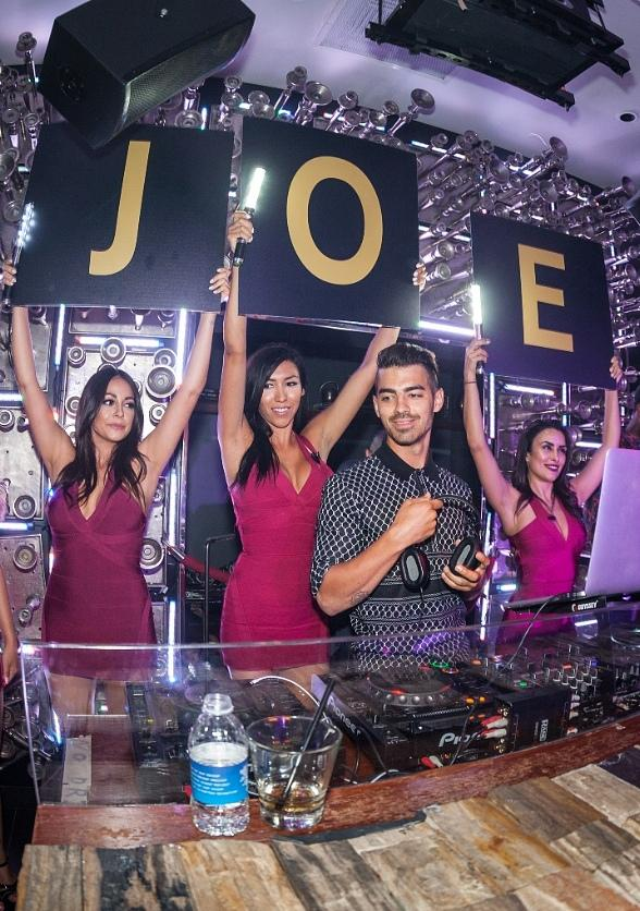 Joe Jonas performs DJ Set at Hyde Bellagio