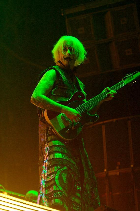 John 5 performs with Rob Zombie at Rock Vegas Festival at Mandalay Bay