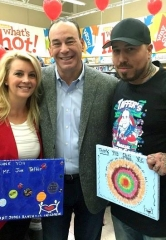 """Bar Rescue"" star Jon Taffer meets with Children from St. Jude's Ranch at Toys 'R Us"