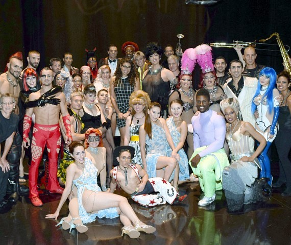 Jordin Sparks with the cast of Zumanity