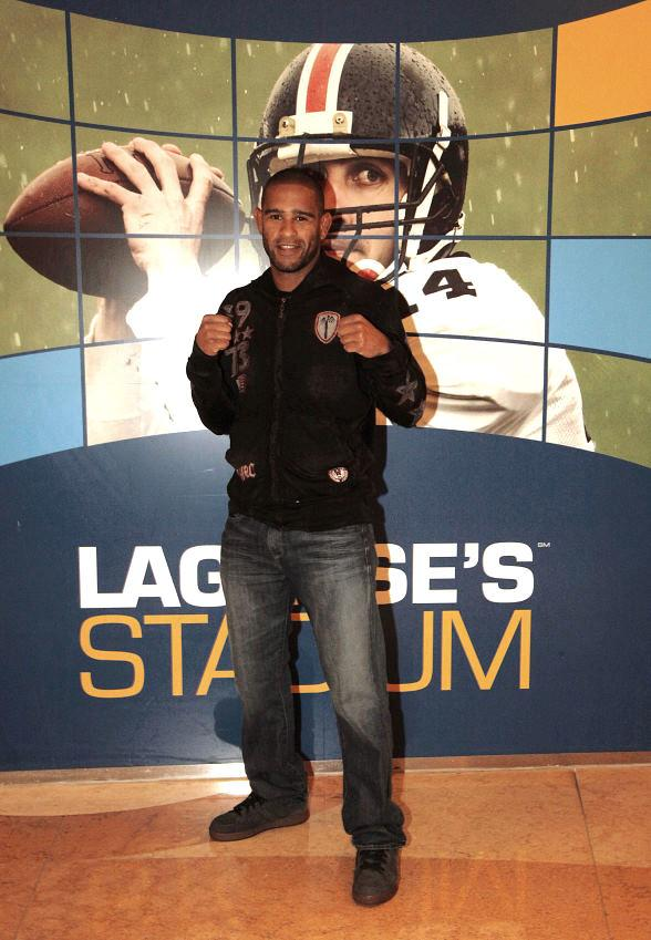 &quot;The Sandman&quot; Jorge Santiago hosts pre-fight party at Lagasse