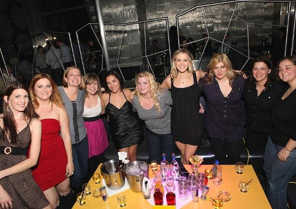 Kelly Clarkson and friends at Moon Nightclub
