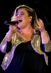 Kelly Clarkson performs at Mandalay Bay Events Center at Mandalay Bay Hotel & Casino