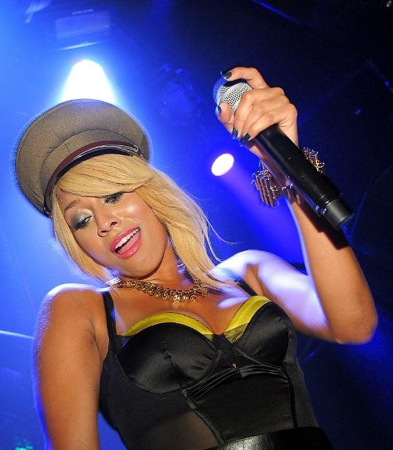 Keri Hilson performing at Gallery Nightclub