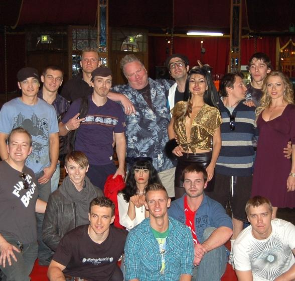 """""""Defending the Caveman"""" Star, Kevin Burke, Attends Performance of ABSINTHE"""