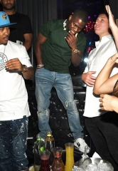 Kevin Hart Celebrates Bachelor Party at Chateau Nightclub & Rooftop