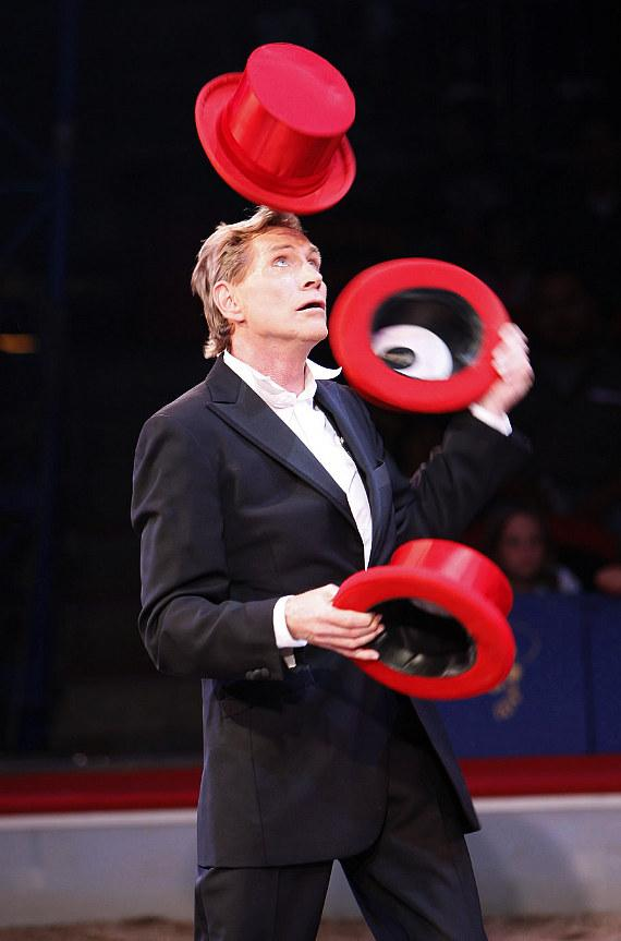 juggling legend Kris Kremo
