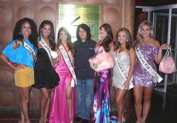 Seven Miss USA 2010 candidates had dinner at Simon at Palms Place