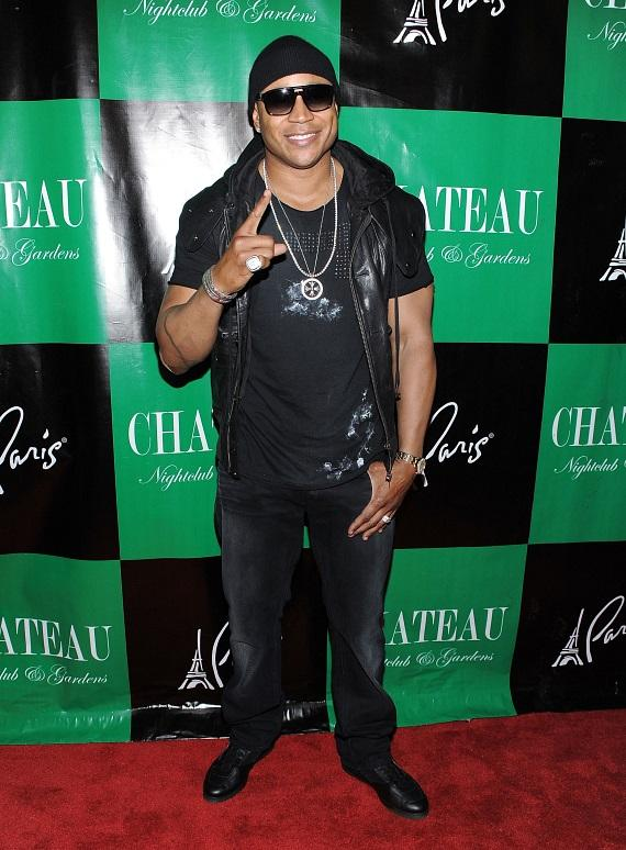 LL Cool J arrives at the red carpet at Chateau Nightclub & Gardens at Paris Vegas