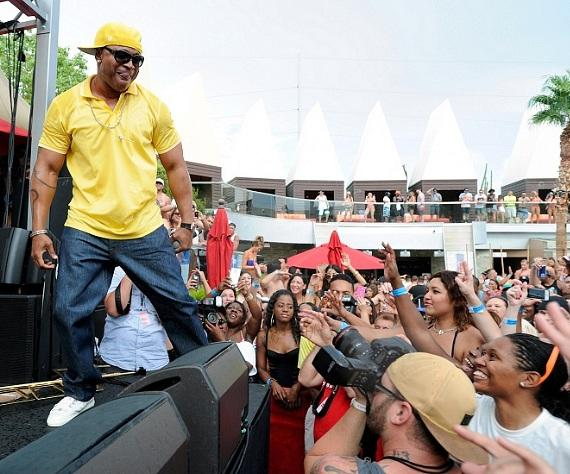 L.L. Cool J playfully flirts with crowd while performing at Palms Pool
