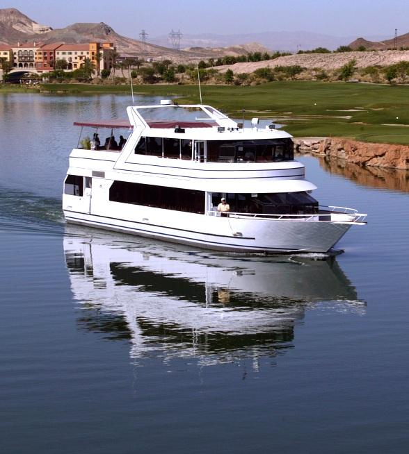 Christmas Cocktail Cruise Sails on Dec. 2 with Food Pairings and Entertainment on the La Contessa Yacht