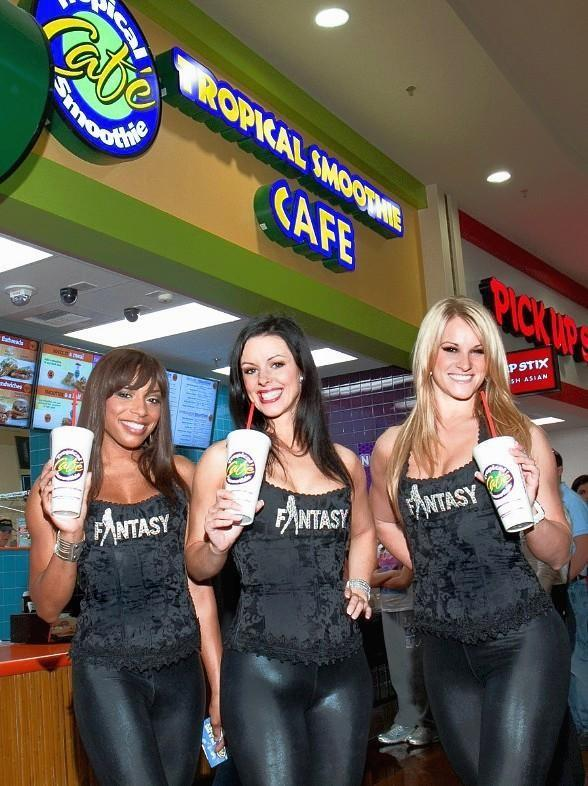 Ladies of FANTASY visit Tropical Smoothie