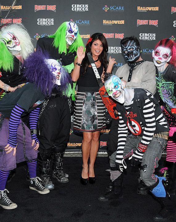 Fright Dome kicks off 2011 Halloween Season with Laura Croft on Black Carpet