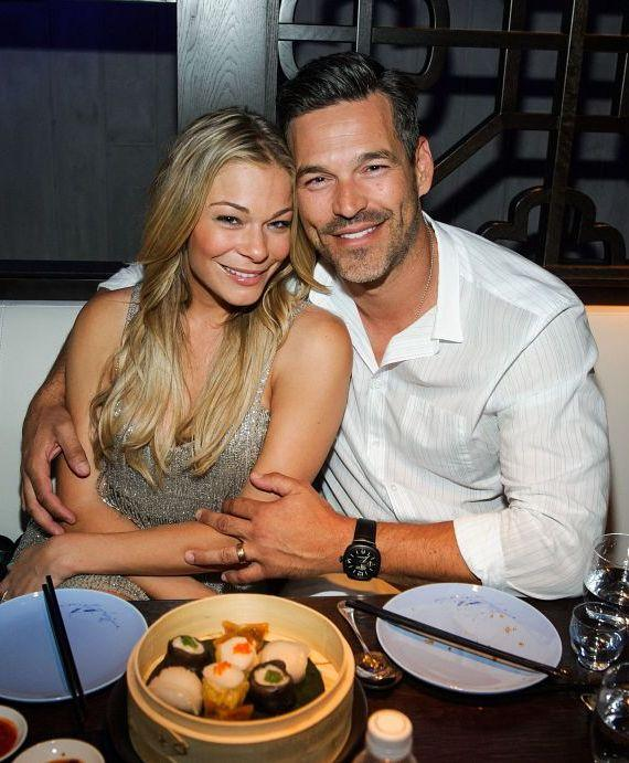 LeAnn Rimes and Eddie Cibrian at Hakkasan Las Vegas Restaurant