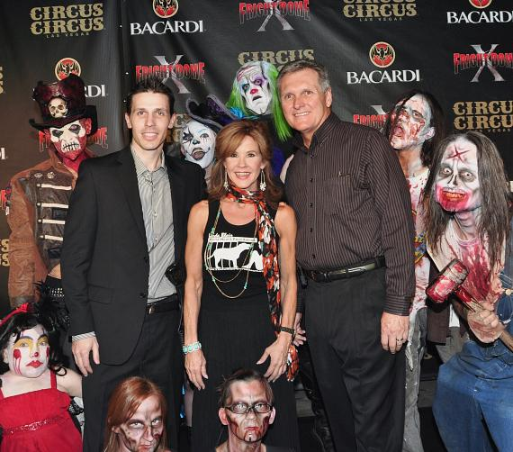 Jason Egan, Linda Blair and Circus Circus President Don Thrasher