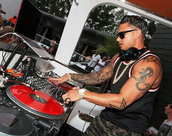 DJ Pauly D spins at LIQUID Pool Lounge at ARIA