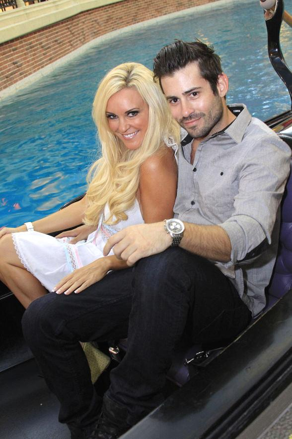 Bridget Marquardt and boyfriend Nick Carpenter enjoyed a romantic gondola ride at The Venetian