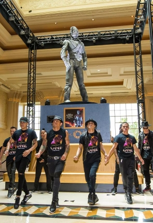 Legendary Michael Jackson HIStory Statue Unveiled at Mandalay Bay in Las Vegas, July 28