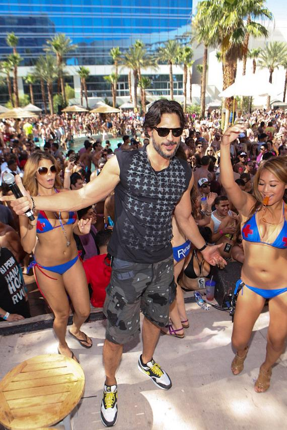 Joe Manganiello with dancers at Rehab at Hard Rock Hotel & Casino