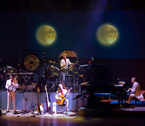 Mannheim Steamroller's 2009 Christmas Tour Stops at Orleans Arena Dec. 13