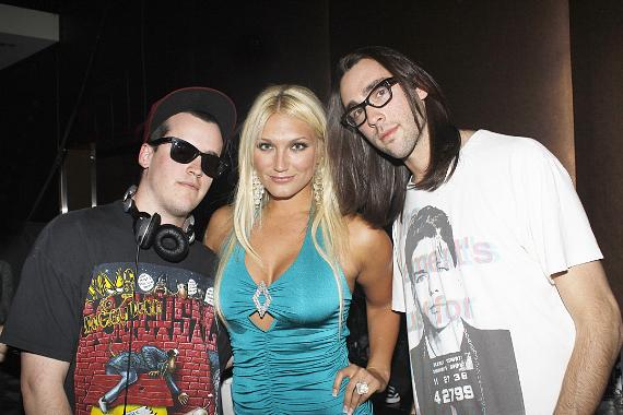 DJ Marshall Barnes with Brooke Hogan and friend
