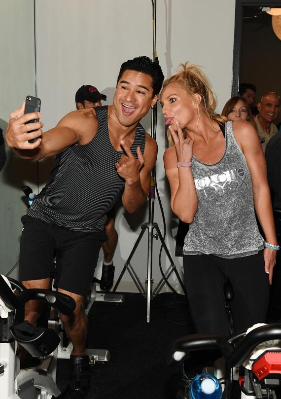 Mario Lopez and Britney Spears 'selfie' before charity cycle ride