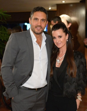 Kyle Richards hosts Beverly Hills party for ONE DROP; Adrien Grenier, Candy Spelling & France Fisher in attendance