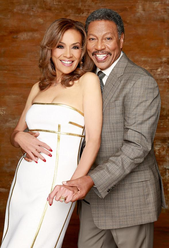 Marilyn McCoo, Billy Davis, Jr. and The Next Dimension to Star in