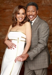 "Marilyn McCoo and Billy Davis, Jr. Star in ""Up, Up and Away – The Music & Memories"" at The Orleans Showroom February 14-15"
