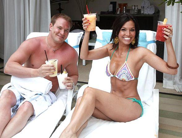 Melissa Rycroft and Tye Strickland with drinks