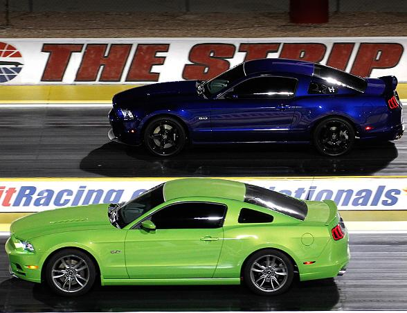 Mopar Midnight Mayhem Resumes Friday Night at The Strip at Las Vegas Motor Speedway
