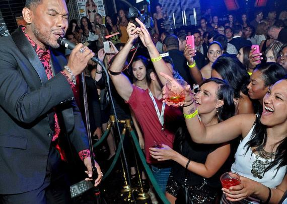 R&B singer Miguel performs at LAVO Nightclub