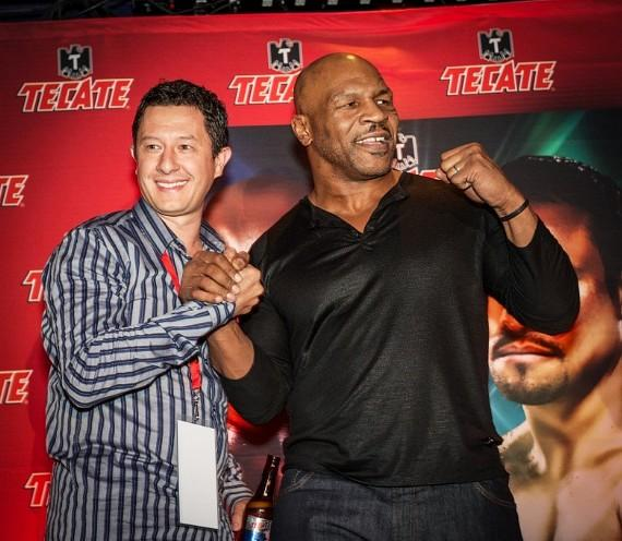 Mike Tyson with fan at Cabo Wabo Cantina