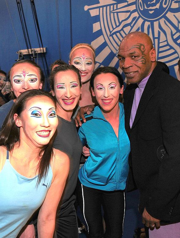 "Mike Tyson Celebrates Daughter's 15th Birthday at ""O"" by Cirque du Soleil"