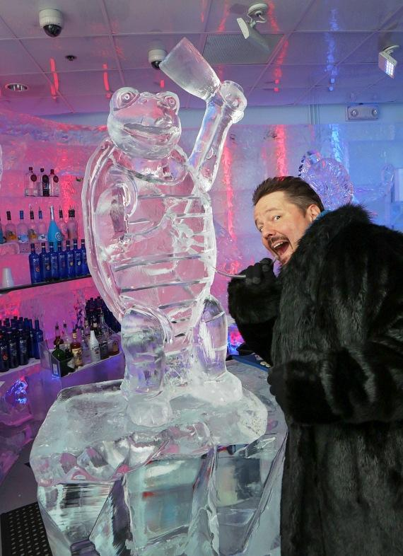 Terry Fator with ice sculpture of Winston the Impersonating Turtle