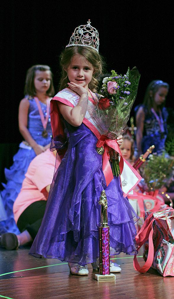 Suncoast Hotel and Casino Hosts Third Annual Miss Cupcake Pageant on August 9