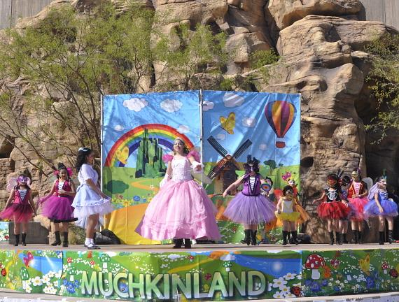 Muchkinland kids on stage at Springs Preserve's Día del Niño