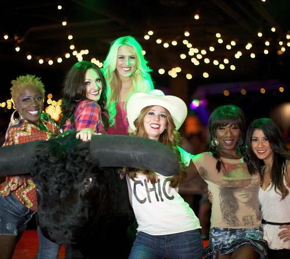 The cast of Peepshow with Stoney's world famous mechanical bull