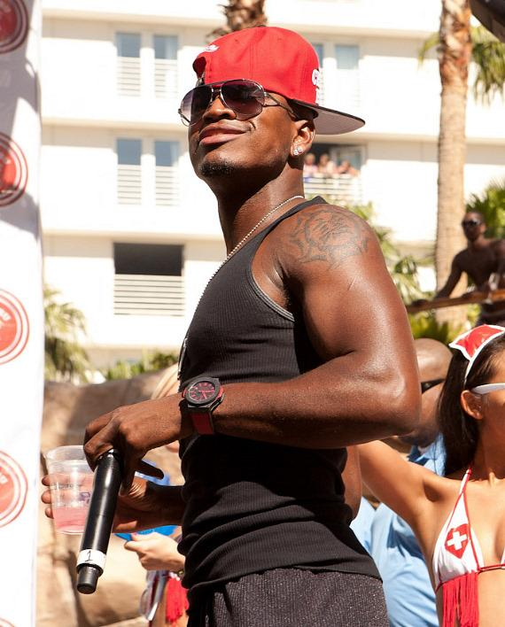 Ne-Yo at Rehab Sundays at Hard Rock Hotel & Casino